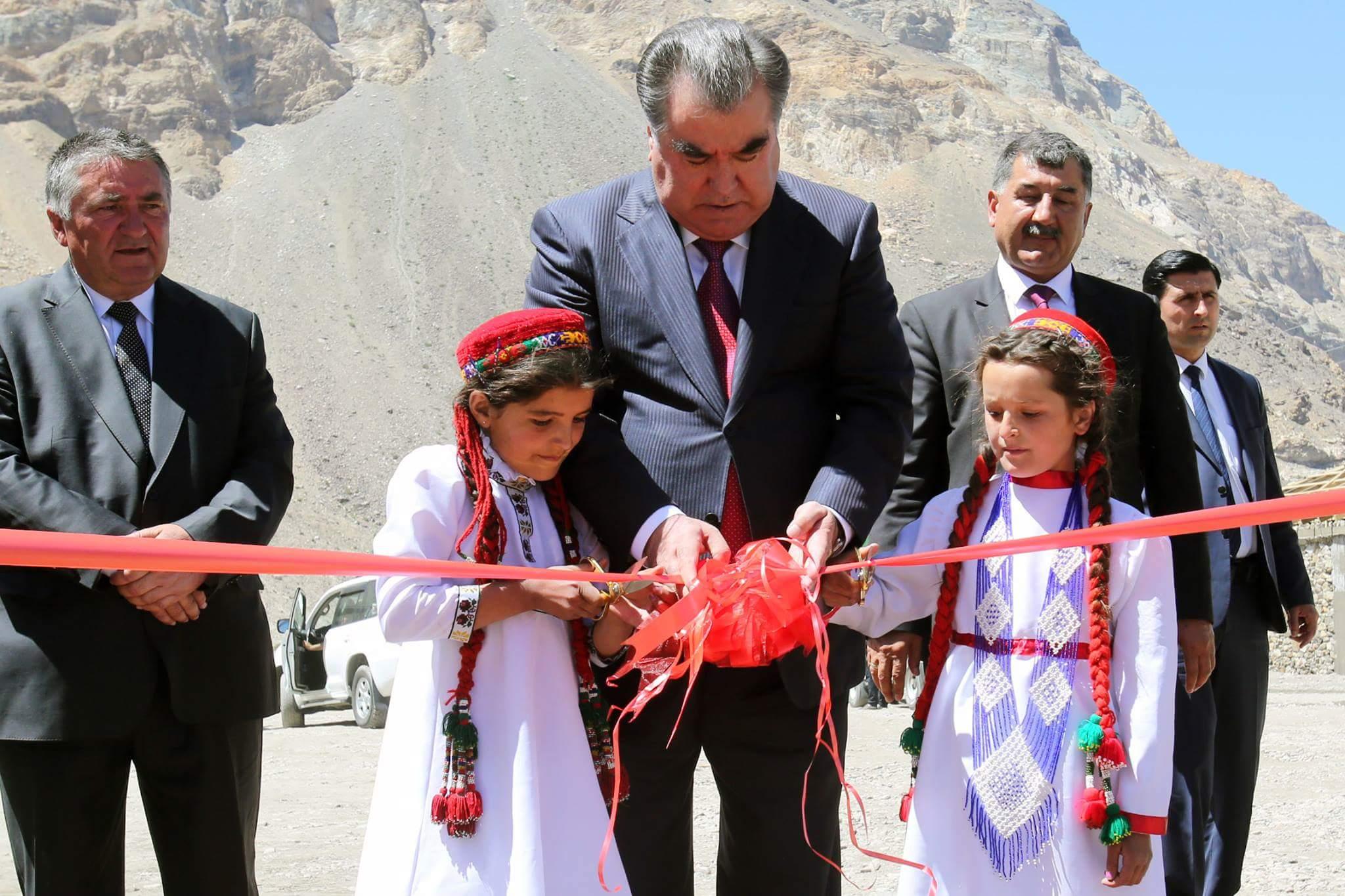 знакомства с семьйой президент таджикистана