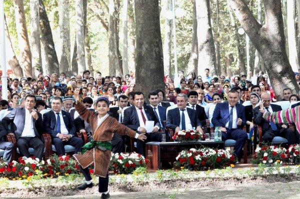 В праздновании независимости Таджикистана приняли участие гости из Узбекистана