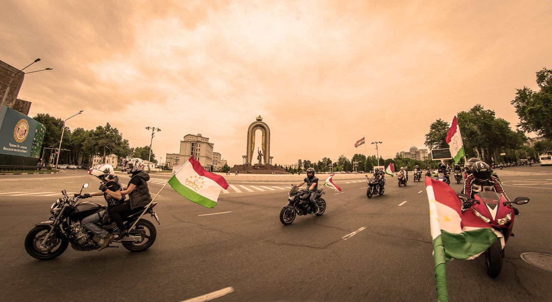 Рустам Эмомали дал добро на проведение в Душанбе «Мотосезона-2018»