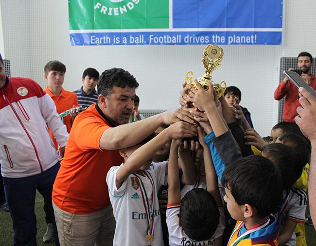 Юные футболисты Душанбе отметили Всемирный день футбола и дружбы